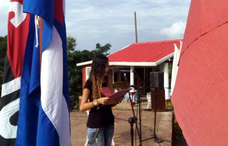 Los holguineros alzaron sus voces contra el bloqueo. Foto: Arnaldo Vargas Castro.