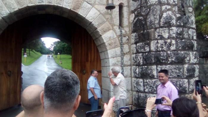 José Luis García Cuevas y Jorge Núñez Jover disfrutan la ocasión. Muy cerca el Vicepresidente de Los Palacios, ejemplo de emprendedor GUCID.