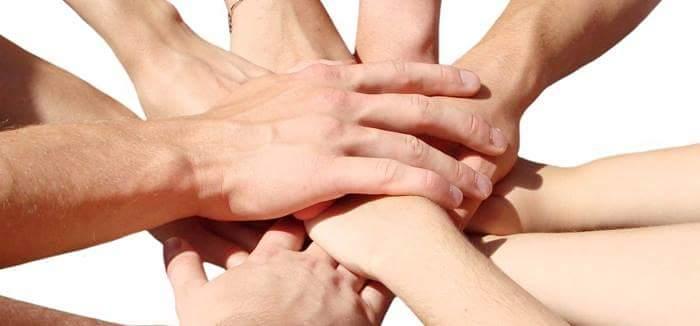 Si nos damos las manos... todo se puede hacer.