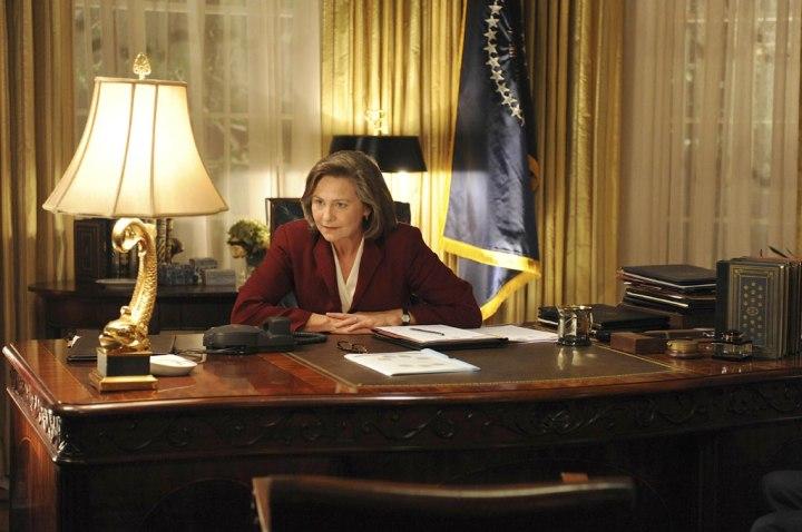 La Presidenta Allison Taylor, interpretada por Cherry Jones en la serie de Fox, 24.Un papel por el que ganó un premio Emmy como mejor actriz de reparto en una serie dramática.