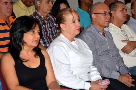 Autoridades de la Universidad de Holguín participaron en el acto de graduación del Diplomado de Gestión Empresarial y Dirección en Administración Pública, efectuado en la Escuela del Partido el 18 de noviembre de 2016. UHO FOTO/Luis Ernesto Ruiz Martínez.