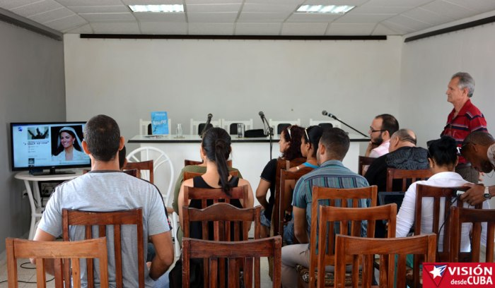 Intercambio sobre redes sociales con el colectivo de Radio Holguín. VDC Foto/Luis Ernesto Ruiz Martínez.