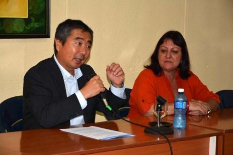 El Excmo Sr. Masaru Watanabe, Embajador de Japón en Cuba, ofrece conferencia sobre cultura y mentalidad de su país, en la Sede Celia Sánchez de la Universidad de Holguín. UHO FOTO/Luis Ernesto Ruiz Martínez-Dircom