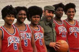 Fidel Castro y el equipo femenino de baloncesto, 1984, Los Angeles