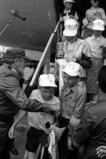 Fidel con niños de Chernobil. 29 de marzo de 1990.