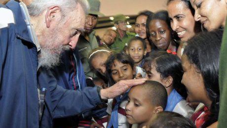 Fidel siempre estuvo bien cerca de nuestros niños.