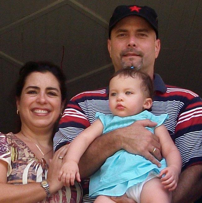 Adriana, Gema y Gerardo en Birán. VDC Foto/Luis Ernesto Ruiz Martínez.