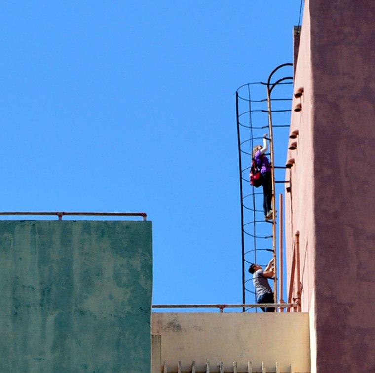 En uno de los edificios 18 plantas de Holguín. VDC Foto/Luis Ernesto Ruiz Martínez.