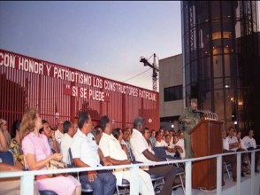 El Presidente de los Consejos de Estado y de Ministros, Comandante en Jefe Fidel Castro Ruz preside el acto de inauguración del Centro de Inmunología Molecular. Ciudad de La Habana, 5 de diciembre de 1994.