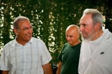 El líder histórico de la Revolución Cubana Fidel Castro Ruz visitó el Centro Nacional de Investigaciones Científicas (CNIC) en el contexto del 45 aniversario de la creación de la institución precursora del polo científico de la capital. Ciudad de La Habana, 7 de julio de 2010.
