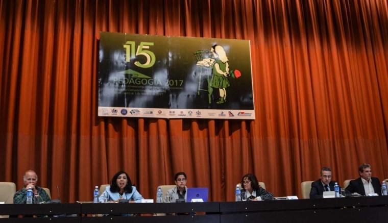 Panel Persistencia del Bloqueo de Estados Unidos contra Cuba. Actualidad y Consecuencias, durante el encuentro internacional por la unidad de los educadores Pedagogía 2017, en el Palacio de las Convenciones, en La Habana, el 31 de enero de 2017. ACN FOTO/Marcelino VÁZQUEZ HERNÁNDEZ