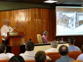 El líder histórico de la Revolución Cubana Fidel Castro Ruz participa en conferencia ofrecida por el Dr. Alan Robock, profesor del Departamento de Ciencias Medioambientales de la Universidad de Rutgers, Nueva Jersey, Estados Unidos. Palacio de las Convenciones, Ciudad de La Habana, 14 de septiembre de 2010.