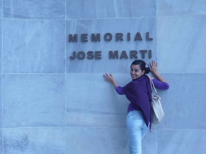 Rosana en el memorial José Martí. Fotos tomadas de su blog.