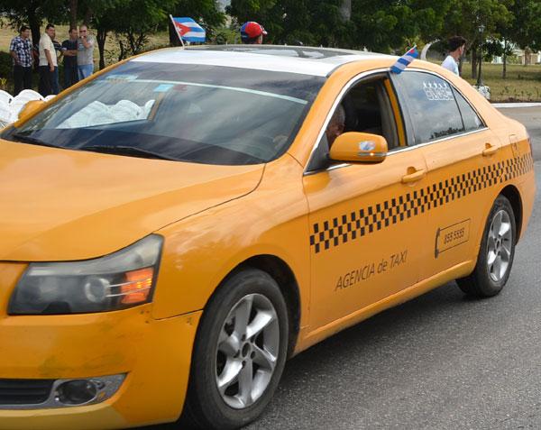 Entrerá en vigor nueva resolución para el servicio de taxis en Holguín. VDC Foto: Luis Ernesto Ruiz Martínez.