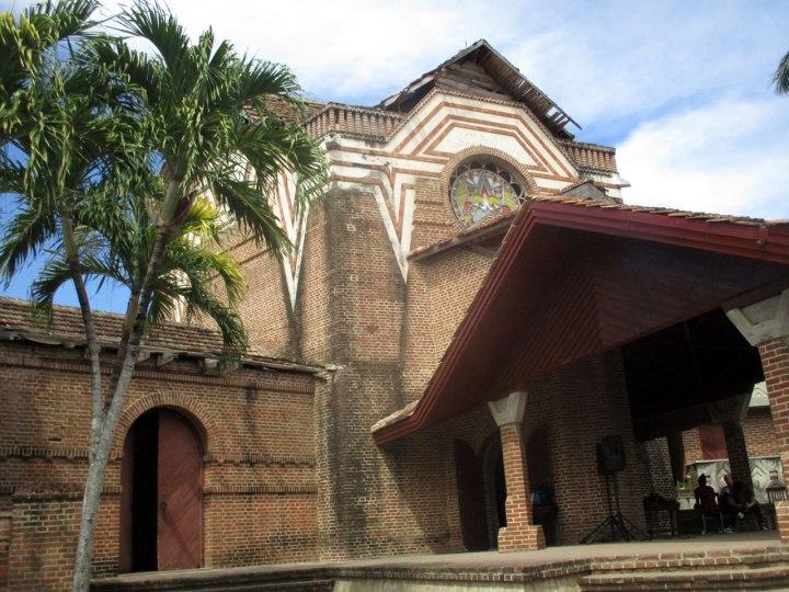 Walter Betancourt, quien sentó cátedra en la carrera de arquitectura en Cuba, es el creador de la Casa de Cultura de Velasco