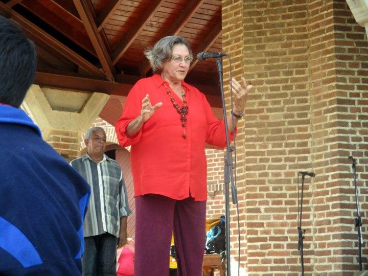 Norma Arencibia, reconocida artista y profesora holguinera.
