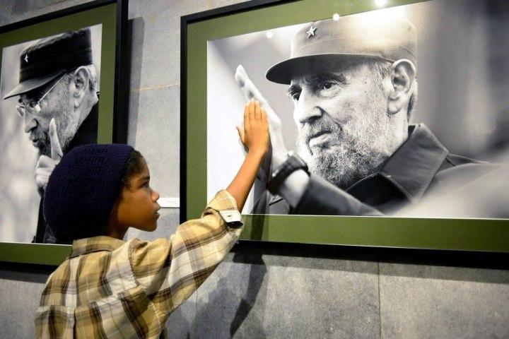 Foto tomada del Paqueteeduques elaborado como homenaje a Fidel.
