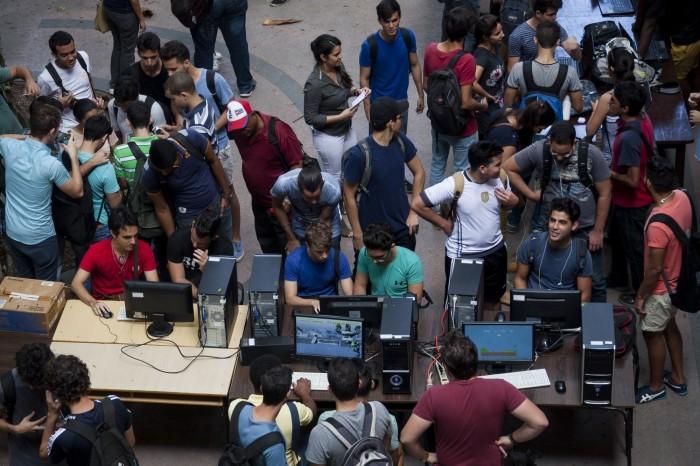 Jornada Científica en la Facultad de Matemática y Ciencias de la Computación de la Universidad de La Habana. Foto: Fernando Medina / Cachivache Media.