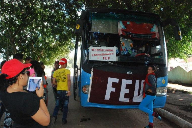 Miembros del movimiento de aficionados de la FEU en la Universidad de Holguín, se presentarán a las audiciones.