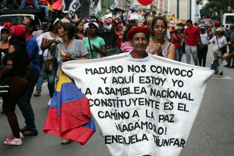 El pueblo venezolano salió a votar a pesar de las amenazas opositoras. Foto tomada de internet.