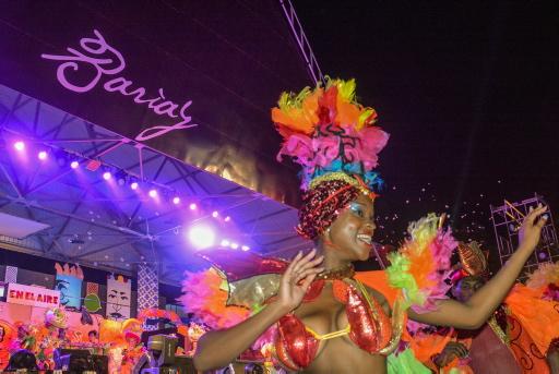 Espectáculo inaugural del Carnaval Holguín 2017, en el Centro Cultural Bariay, de la ciudad de Holguín, Cuba, el 16 de agosto de 2017. ACN FOTO/Juan Pablo CARRERAS