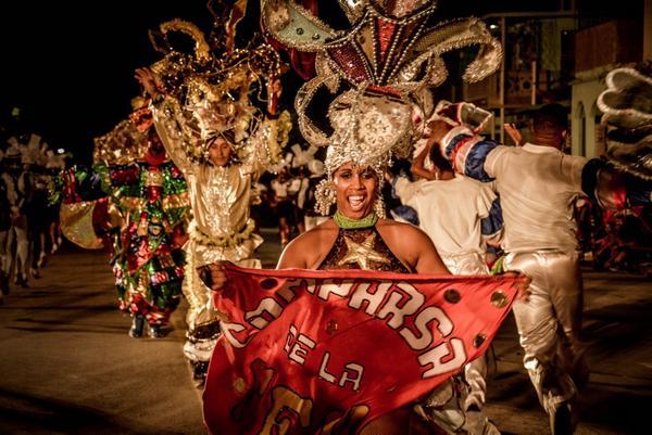 Desfile de carrozas y comparsas del Carnaval Holguín 2017, en la ciudad de Holguín, Cuba, el 18 de agosto de 2017. ACN FOTO/Juan Pablo CARRERAS