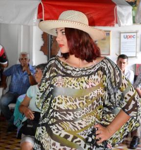 Desfile de modas de la Compañía Fantasía, durante la entrega de los premios del Concurso provincial de Periodismo Eloy Concepción Pérez, organizado por la UPEC en Holguín. Casa de la Prensa, 12 de agosto de 2017. VDC-FOTO/Luis Ernesto Ruiz Martínez