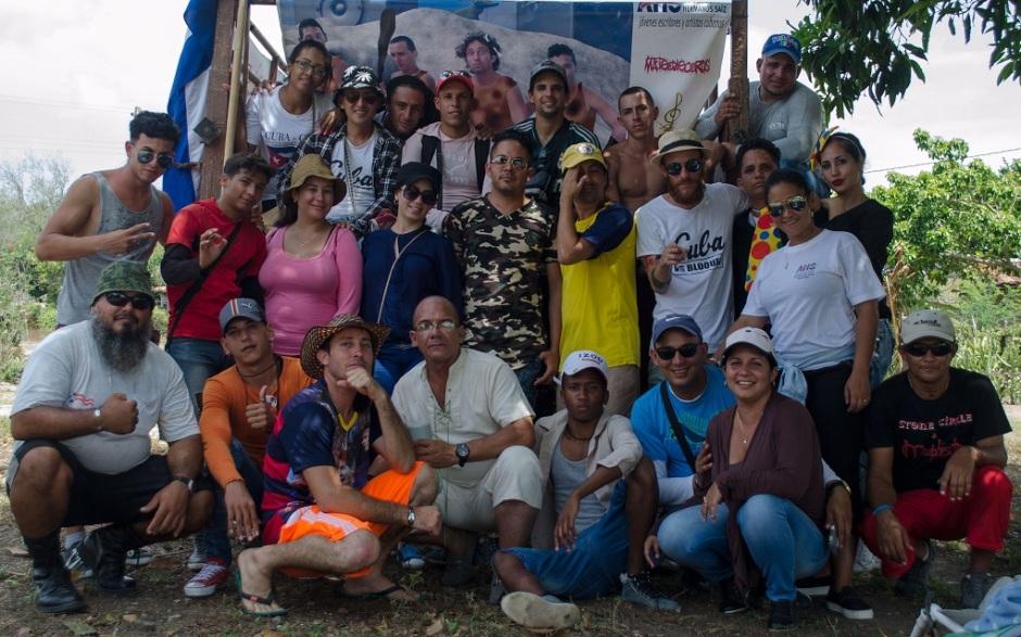 Brigada de la Asociación Hermanos Saíz (AHS) que recorrió el holguinero municipio Banes. Foto: Radio Banes.