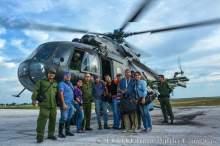 La prensa holguinera con otra excelente labor durante el paso de un huracán. En la foto varios de ellos luego de recorrer zonas afectadas con autoridades de la provincia. Foto publicada por Juan Pablo Carreras en Facebook.