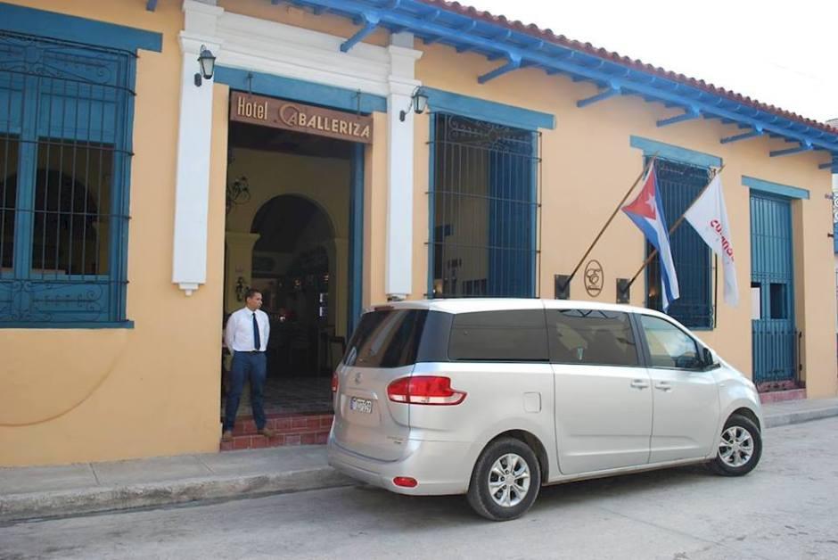 Vista exterior del Hotel Caballeriza, en Holguín. Foto: Carlos Parra Zaldívar.