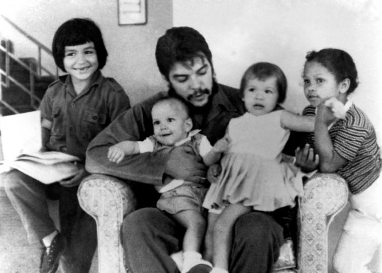 """""""Aquí dejo lo más querido entre mis seres queridos"""", dijo el Che al referirse a sus hijos."""