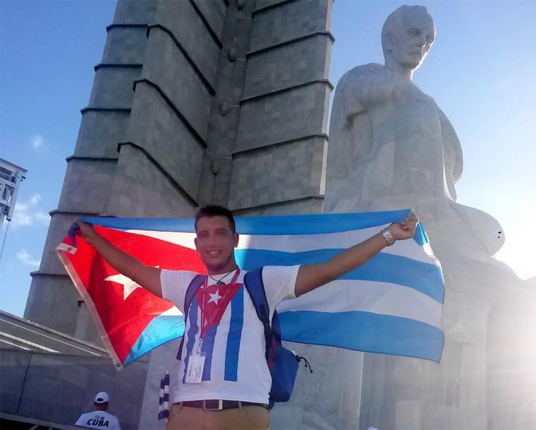 Luis Mario Rodríguez en La Habana antes de partir rumbo a Sochi. Foto tomada de su cuenta en Facebook.