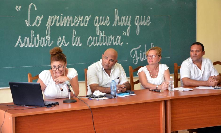 Durante casi tres décadas, profesores de educación artística han desarrollado este Panel sobre Cultura Cubana en fecha cercana al 20 de octubre. VDC FOTO/Luis Ernesto Ruiz Martínez.
