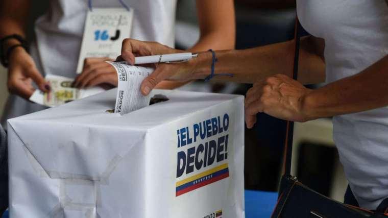 Venezuela decide sus gobernadores. Foto tomada de internet.