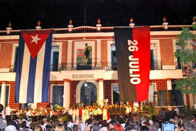 Holguín rinde homenaje a Fidel. Foto: Carlos Parra Zaldívar.