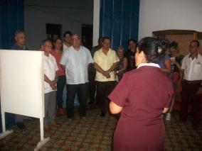 El independentista puertoriqueño Oscar López Rivera visita la Casa Natal de Calixto García, como parte de su recorrido por la ciudad de Holguín. VDC FOTO/Luis Ernesto Ruiz Martínez.