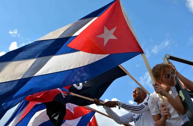 La entrada triunfal de la Caravana de la Libertad a La Habana se produce el 8 de enero. (Rodolfo Blanco Cue / ACN)