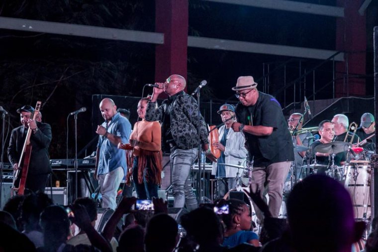 Concierto de Van Van en el Cabaret Bariay de Holguín, el 17 de febrero de 2018. Foto: Torralbas/Ahora.
