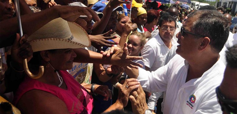 Correa junto al pueblo santiaguero.(Miguel Rubiera Justiz / ACN)