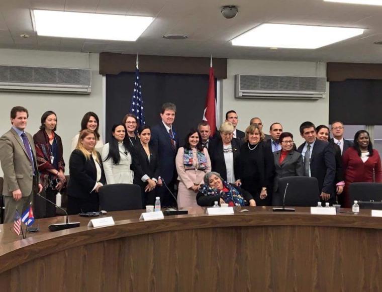 Delegaciones de Cuba y Estados Unidos mantienen un intercambio de información sobre la trata de personas. Foto tomada de Facebook.