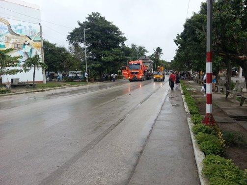 Paso del transformador eléctrico de gran porte por Buenaventura, municipio Calixto García, Holguín. Foto: Radio Juvenil.