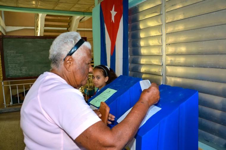 Jornada de la segunda etapa de Elecciones Generales en Cuba para elegir a los delegados a las Asambleas Provinciales y a los diputados al parlamento cubano, en la ciudad de Holguín, Cuba, el 11 de marzo de 2018. ACN FOTO/Juan Pablo CARRERAS