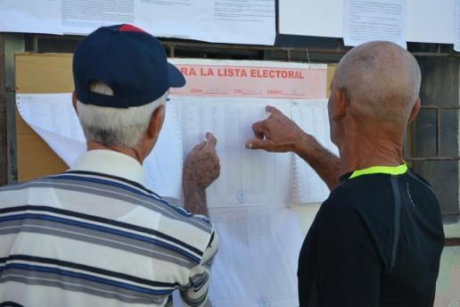 Los electores acuden desde las 7am a los Colegios de la circunscripción 135 del municipio Holguín para elegir Diputados a la Asamblea Nacional y Delegados a la Asamblea Provincial del Poder Popular. VDC FOTO/Luis Ernesto Ruiz Martínez.