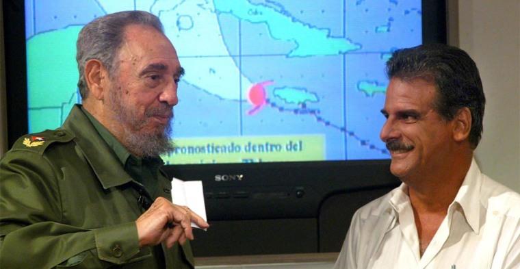 Fidel nos enseñó a estudiar meteorología para complementar las informaciones de Rubiera y su equipo. Foto tomada de internet.