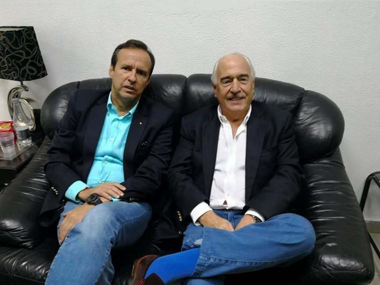 """Andrés Pastrana Jorge Quiroga Ramírez, Tuto, durante la supuesta """"detención"""" en La Habana. Muy contentos, ¿verdad?"""