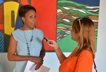 La Dr. C. Nadia Chávez Zaldívar, Directora de Formación, ofrece declaraciones a la prensa durante el el V Taller Universidad-Sociedad desarrollado el 14 de marzo de 2018, en la sede José de la Luz y Caballero, de la Universidad de Holguín. UHO FOTO/Luis Ernesto Ruiz Martínez.