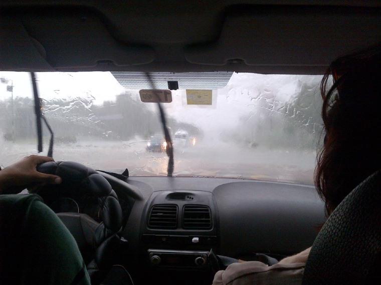 Imagen tomada desde el interior de un auto. VdC Foto: Luis Ernesto Ruiz Martínez.