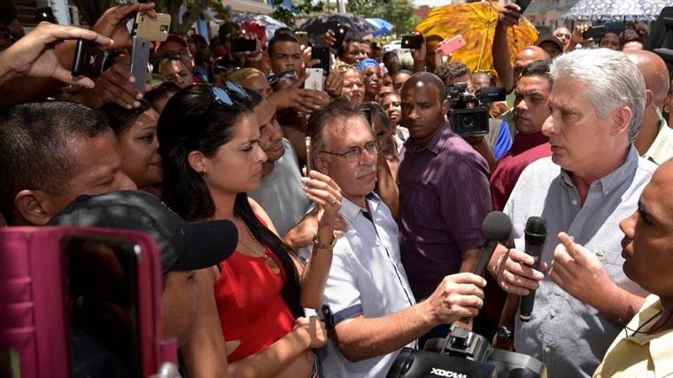 Bermúdez rindió tributo al Comandante en Jefe Fidel Castro Ruz. Foto: Estudios Revolución.