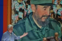 Resumen de la visita gubernamental ecabezada por Miguel-Díaz-Canel y Salvador Valdés con dirigentes políticos, de gobierno y administrativos de la provincia Holguín. Foto: Estudios Revolución.