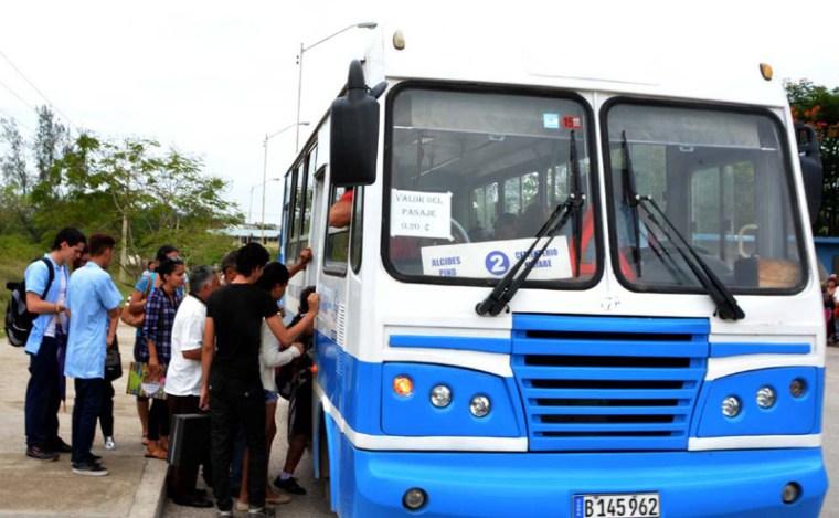 La ruta P2 es una de las más demandadas por los holguineros. VdC Foto: Luis Ernesto Ruiz Martínez.